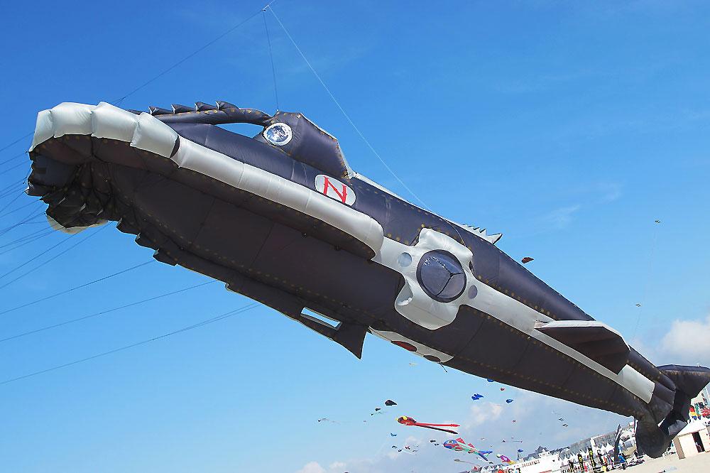 nemo-sub-marine-kite