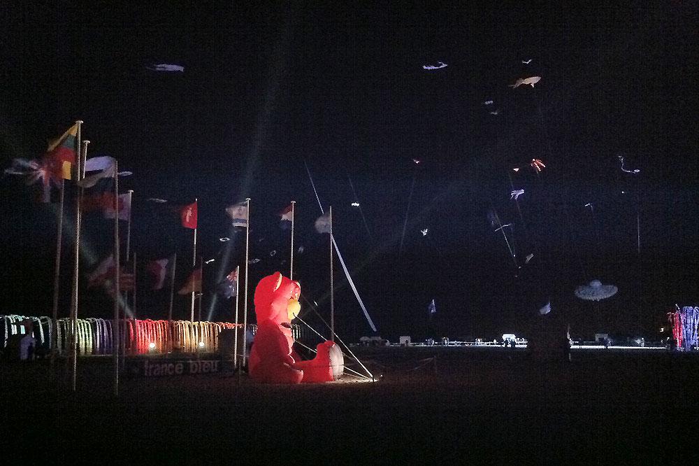 night-kite-flying-berck
