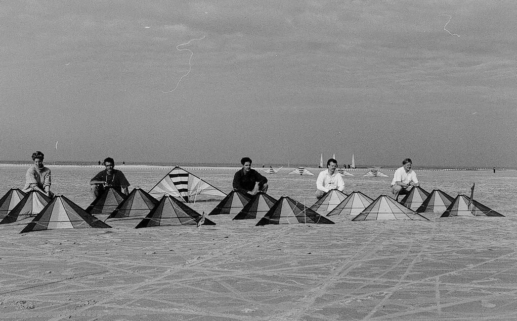 team_kite_flying_speedwing