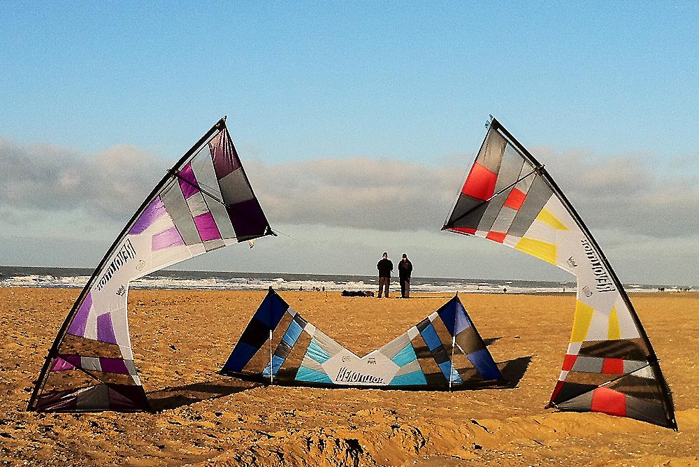 air-4-ce-kite-team-revolutions-2